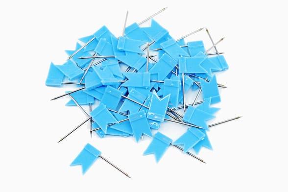 60 Blaue Fähnchen